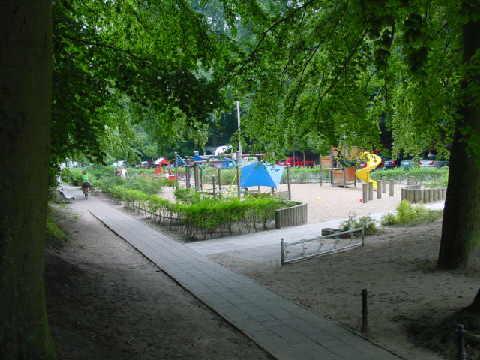 Kinderspielplatz august bebel stra e sch ne for Fewo sellin